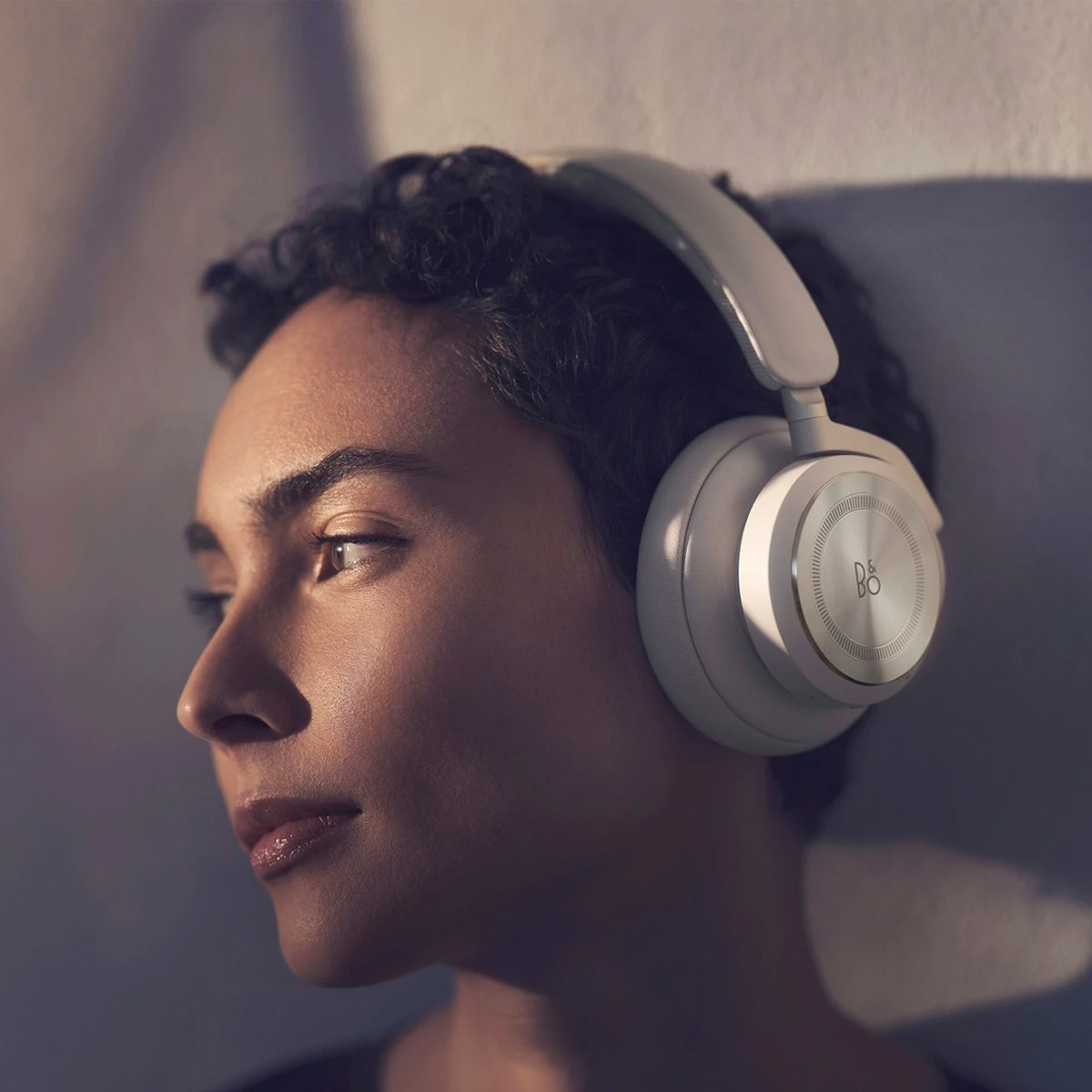 BANG-OLUFSEN-BEOPLAY-HX